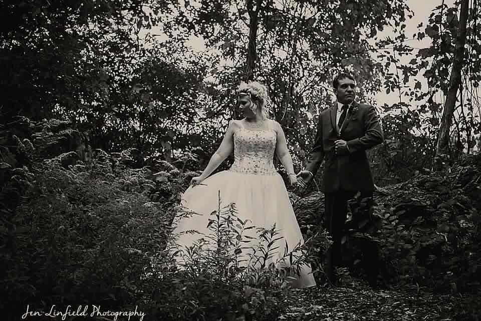 Bride: Renee Photographer: Jen Linfield Photography
