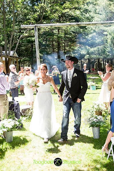 Bride: Kristy Photographer: Toogood Studios