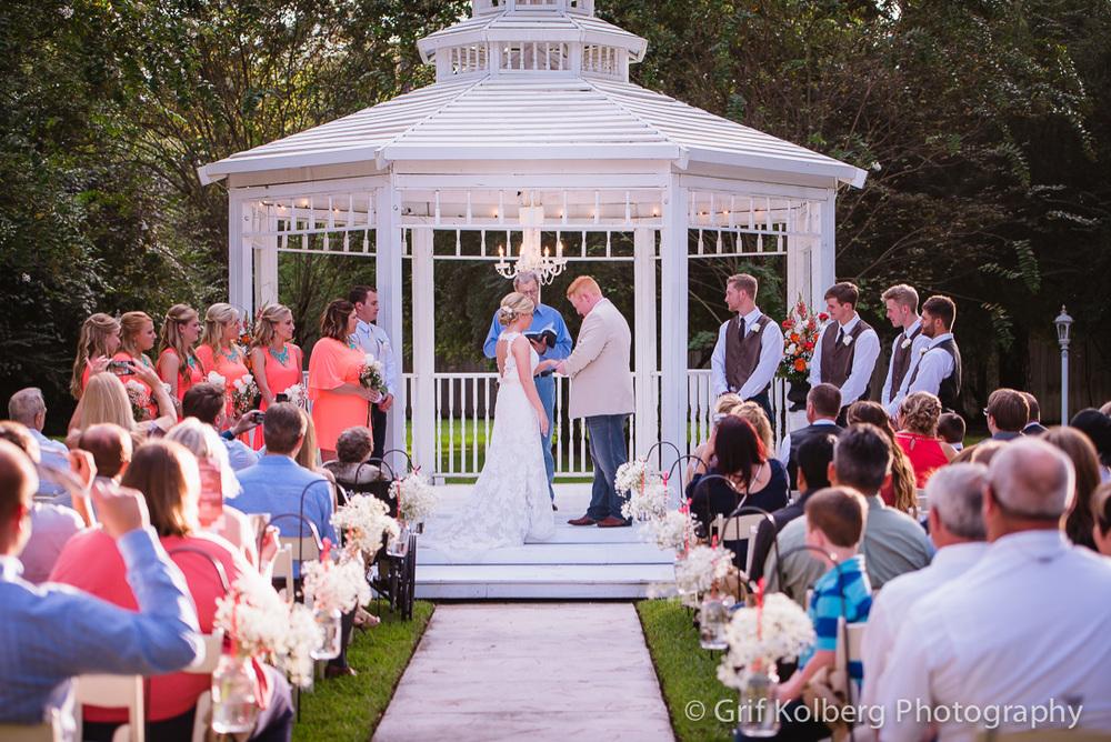 Houston Wedding Photographer - Ellas' Garden Wedding - Presli + Doug