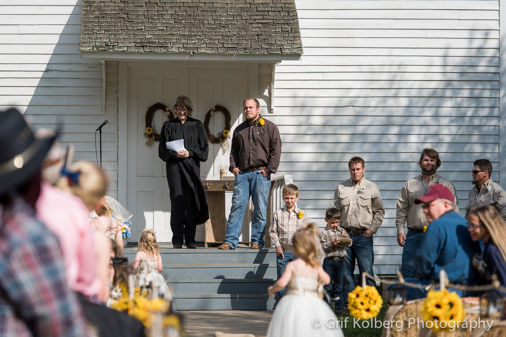 George-Ranch-White-Chapel-Wedding