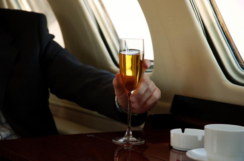 champagne_on-plane.jpg