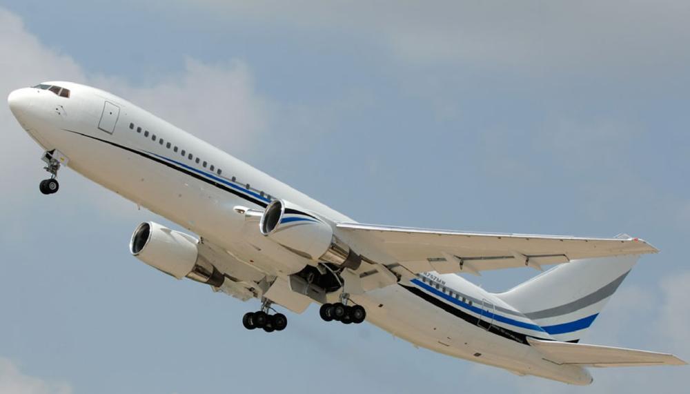 767-VIP-Exterior-Takeoff.jpg