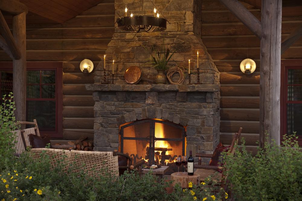 outdoorfireplace.jpg