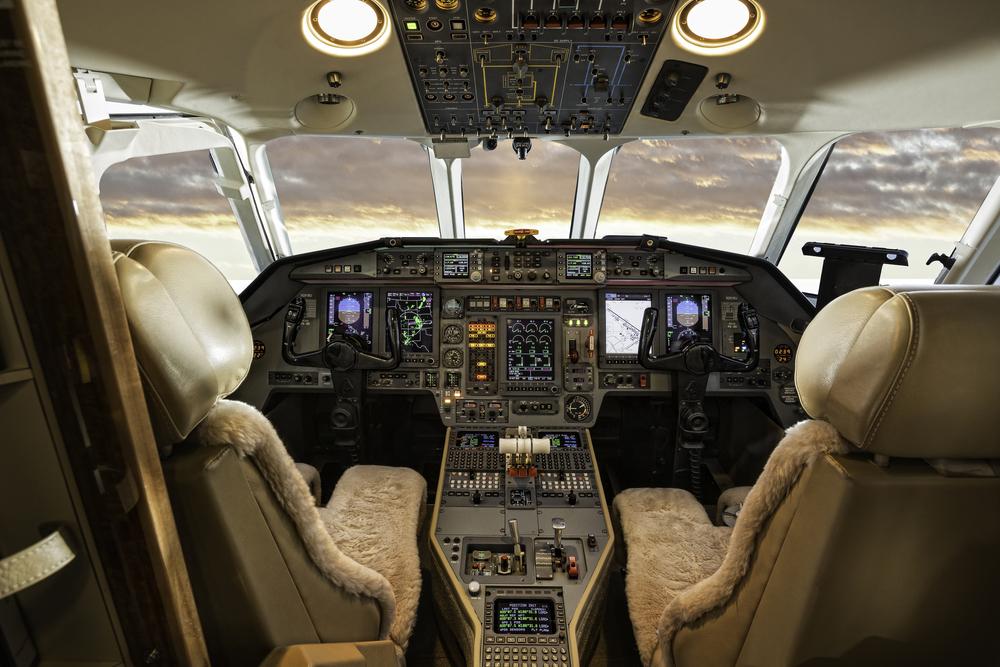 cockpit cessna.jpg
