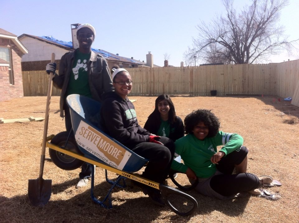 UNT student group fence 3.14.14.jpg