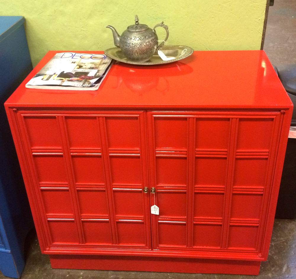 This red lacquer cabinet evokes a bit of traditional  chinoiserie style, while also working perfectly as a modern pop of color in a room. This would make a great little bar [in lieu of a cart!].