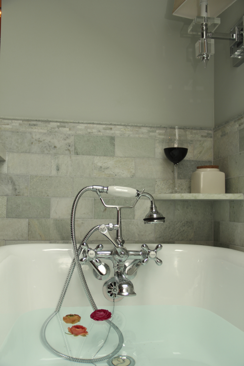 masterbathroom-asimplerdesign-clawfoot tub-1.jpg