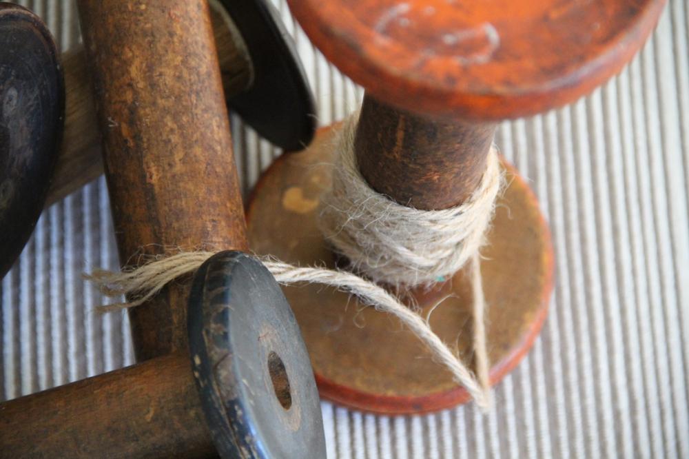 vintage-woodenspools-birdseye-asimplerdesign