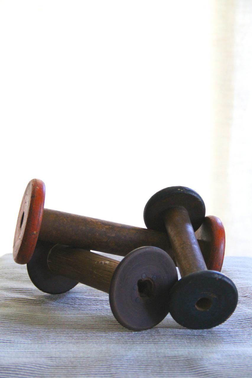vintage-woodenspools-silhouette-colors-asimplerdesign