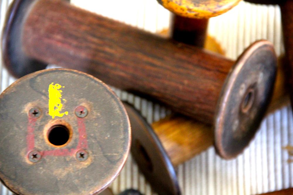 vintage-woodenspools-colors-asimplerdesign