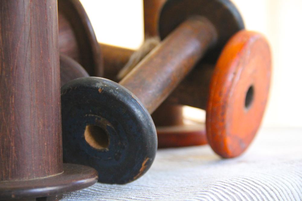 vintage-woodenspools-birdseye-colors-asimplerdesign