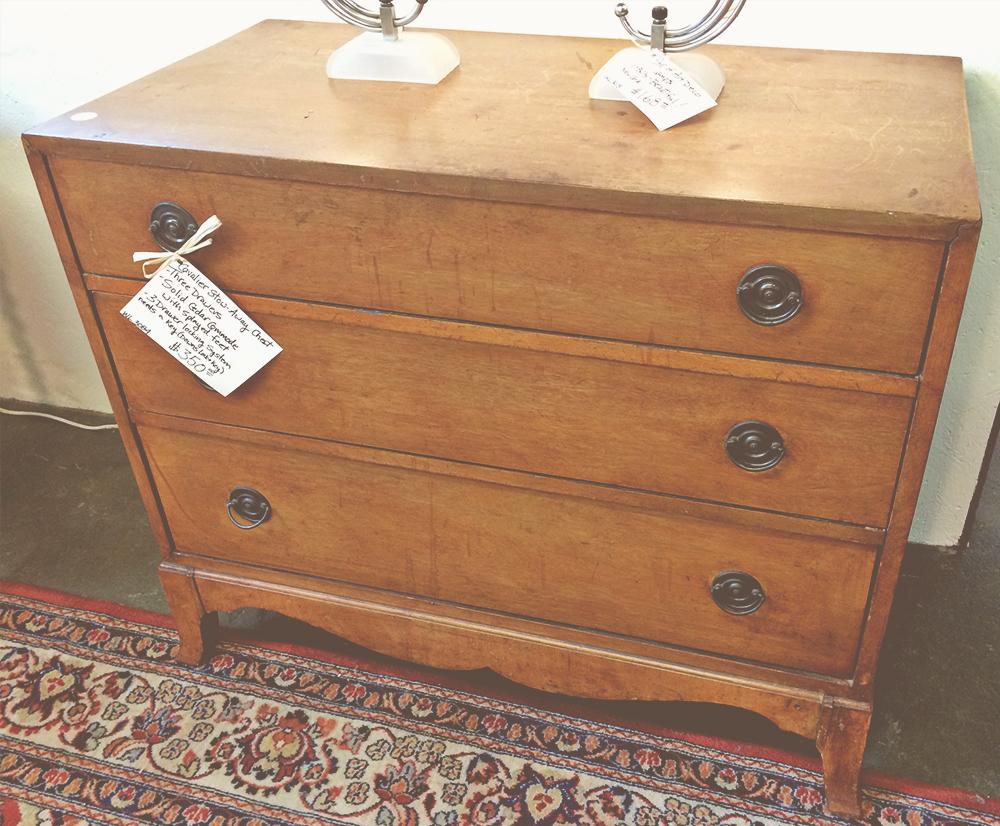 jotorrijos-asimplerdesign-antiques-dresser