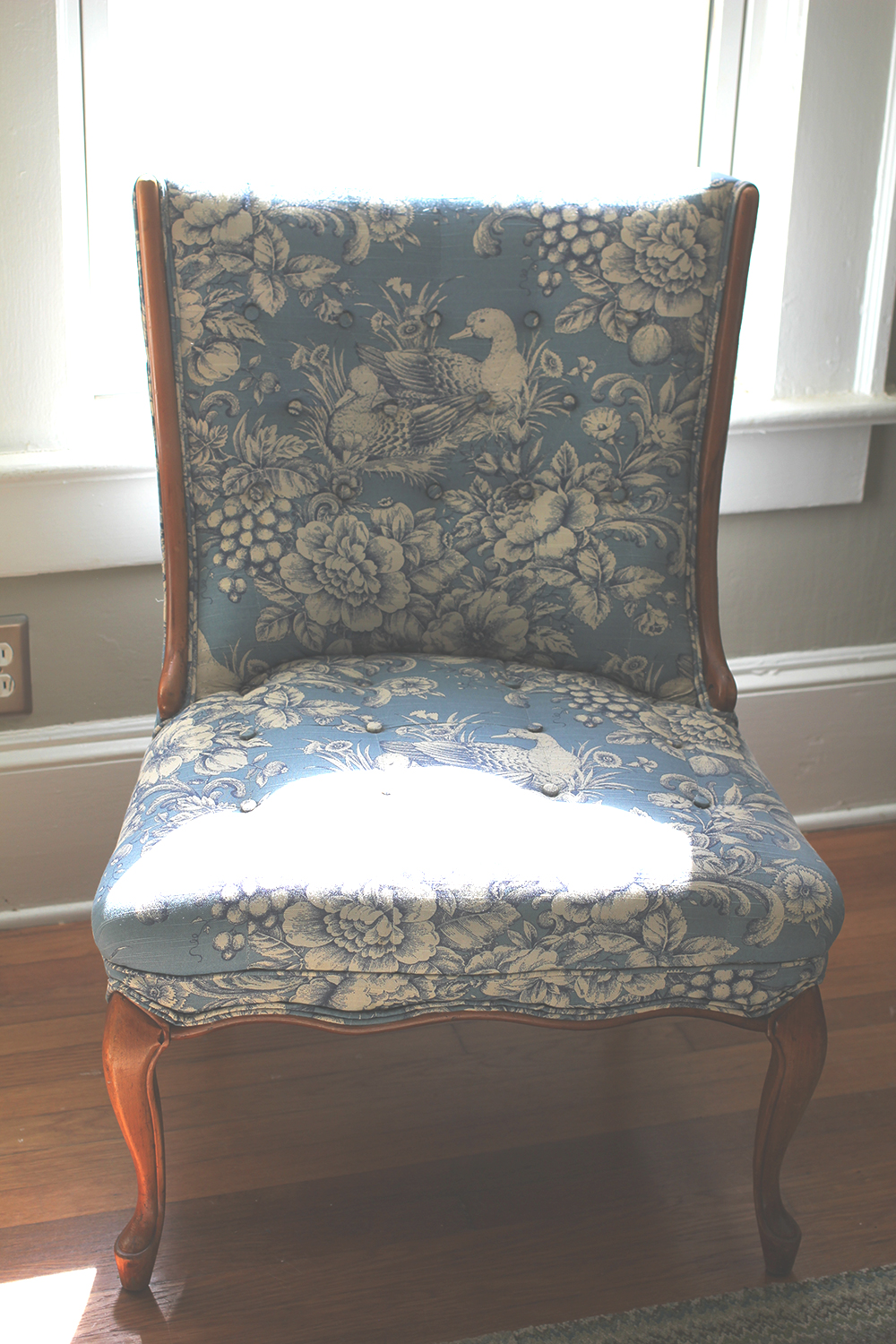 jotorrijos-jo-torrijos-asimplerdesign.com-french-antiques-chair