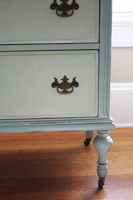 jotorrijos-jo-torrijos-asimplerdesign-anniesloan-chalkpaint-french-blue-dresser-1.jpg
