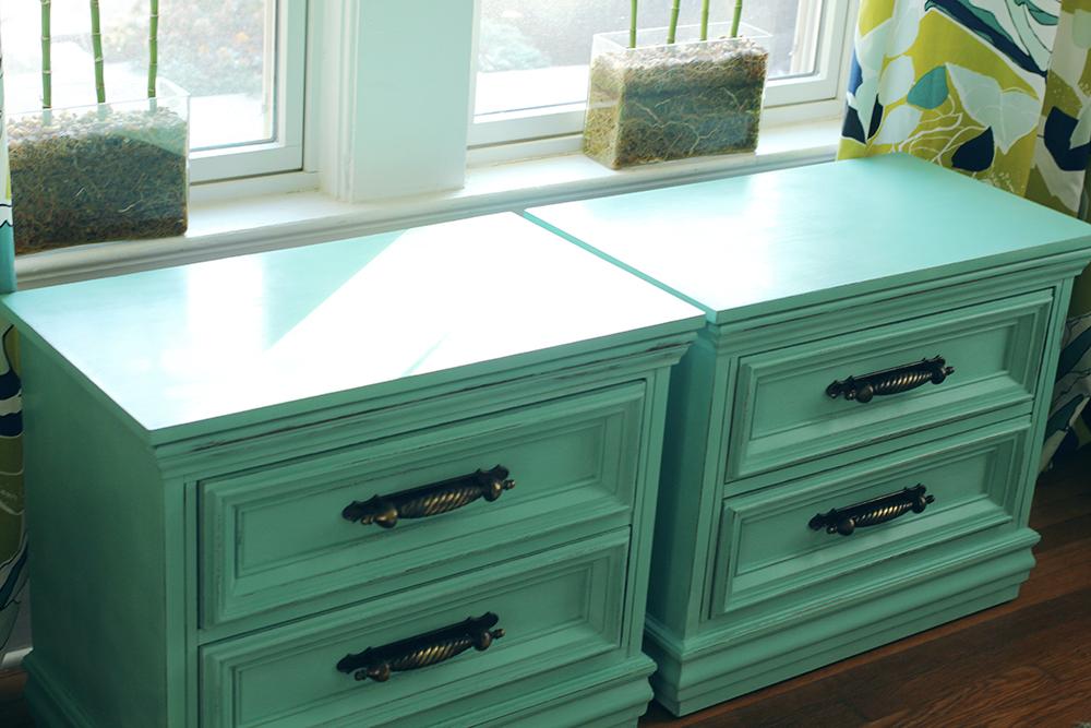 jotorrijos-jo-torrijos-asimplerdesign-a-simpler-design-anniesloan-chalkpaint-turquoise-nightstands-1