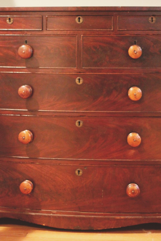 jotorrijos-jo-torrijos-a-simpler-design-asimplerdesign-english-dresser-1