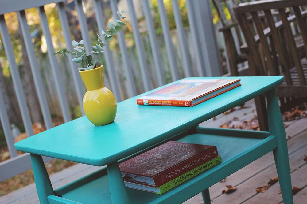 asimplerdesign-a-simpler-design-jotorrijos-jo-torrijos-annie-sloan-chalk-paint-florence-mid-century-table-1.jpg
