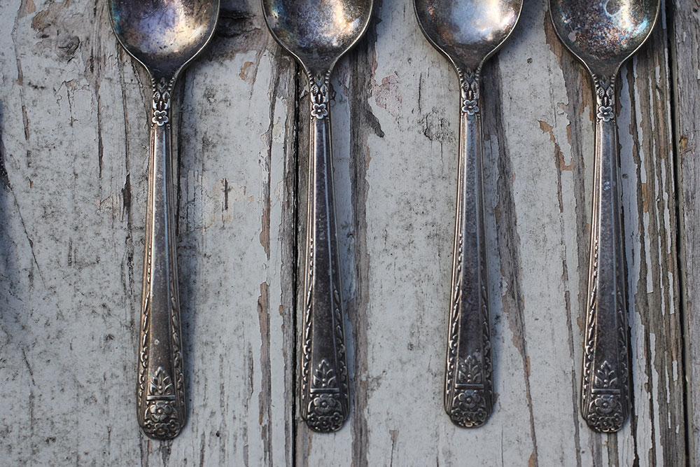 a-simpler-design-asimplerdesign-jo-torrijos-vintage-silver-flatware-antique-styling-props-1.jpg