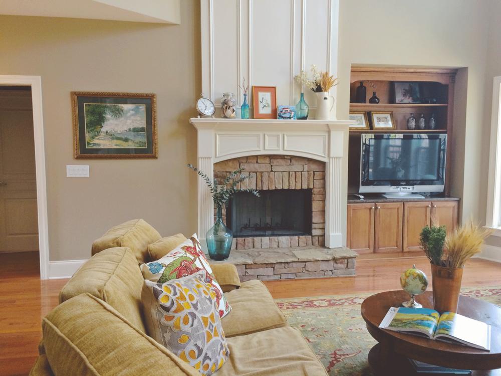 jo-torrijos-a-simpler-design-home-staging-atlanta-living-room-4.png