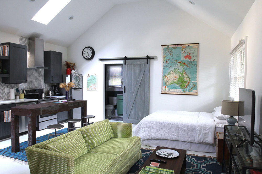 jo-torrijos-states-of-reverie-atlanta-airbnb-modern-bungalow1.jpg