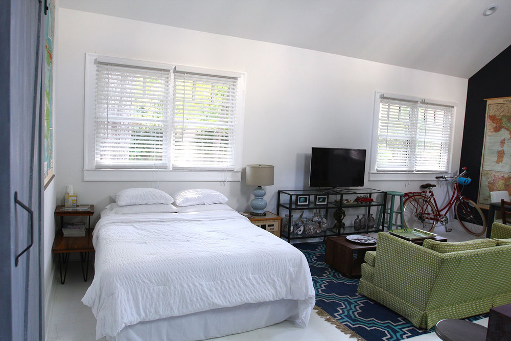 jo-torrijos-states-of-reverie-atlanta-airbnb-modern-bungalow14.jpg