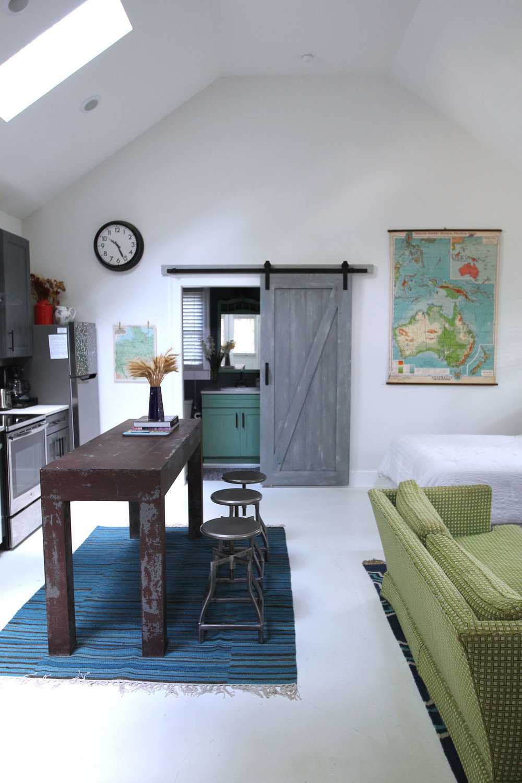 jo-torrijos-states-of-reverie-atlanta-airbnb-modern-bungalow20.jpg