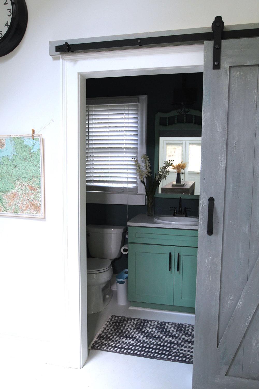 jo-torrijos-states-of-reverie-atlanta-airbnb-modern-bungalow21.jpg