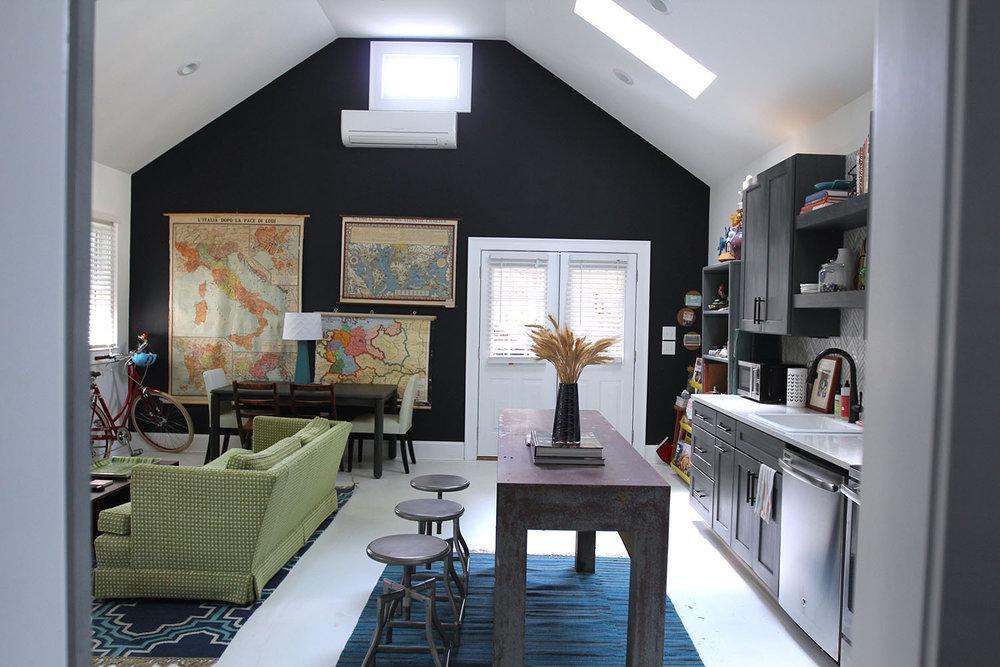 jo-torrijos-states-of-reverie-atlanta-airbnb-modern-bungalow25.jpg