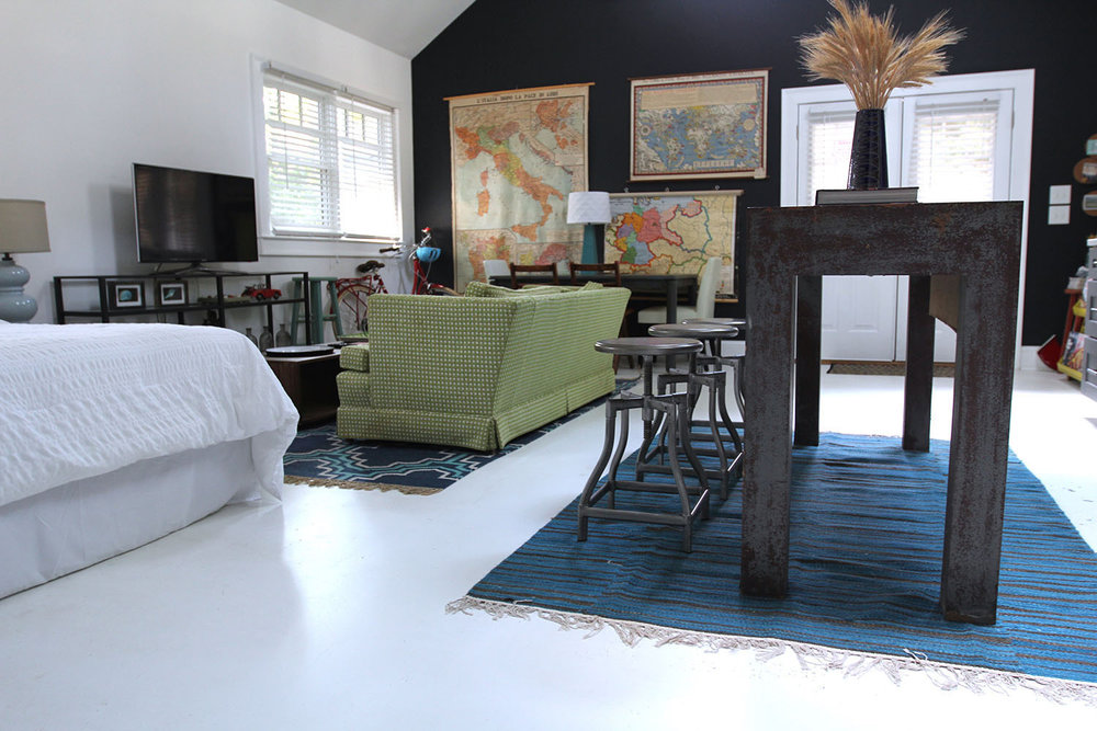 jo-torrijos-states-of-reverie-atlanta-airbnb-modern-bungalow27.jpg