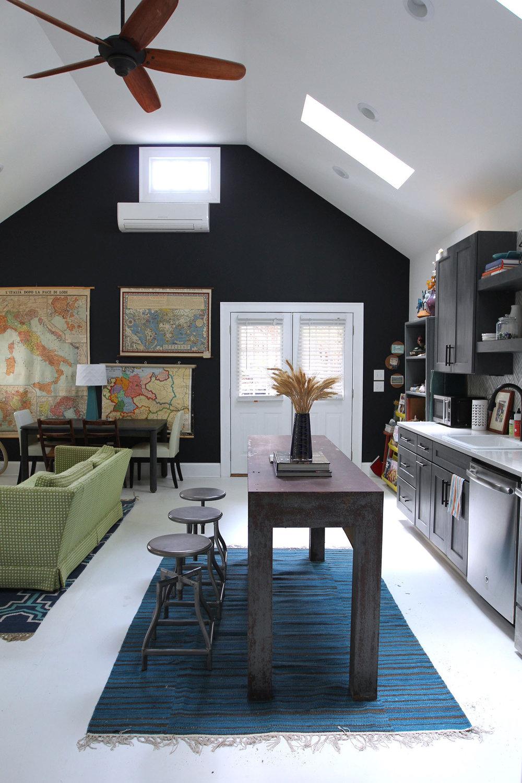 jo-torrijos-states-of-reverie-atlanta-airbnb-modern-bungalow26.jpg