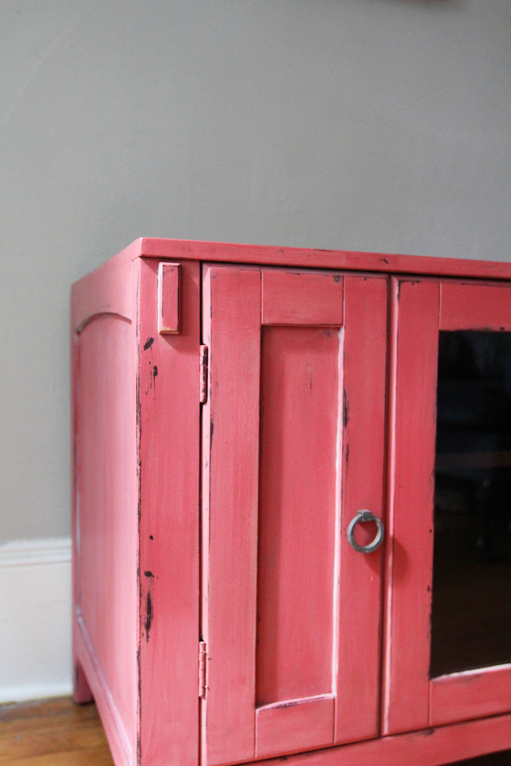 jo-torrijos-a-simpler-design-annie-sloan-chalk-paint-burgundy-arles-english-yellow-coral-atlanta-painted-furniture-6.jpg