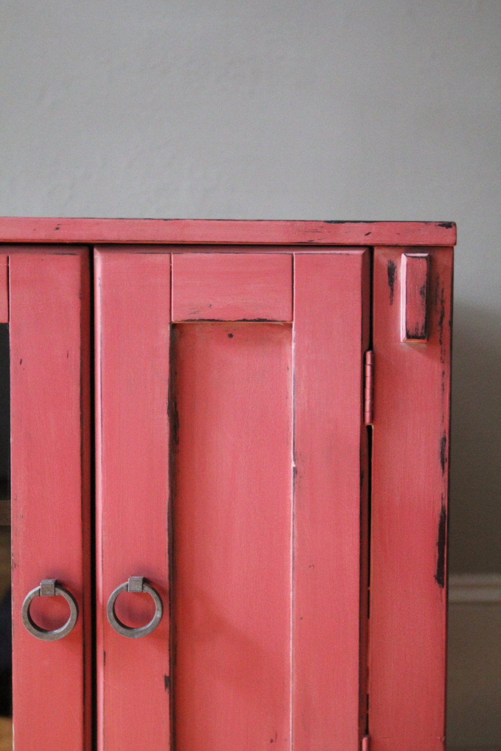 jo-torrijos-a-simpler-design-annie-sloan-chalk-paint-burgundy-arles-english-yellow-coral-atlanta-painted-furniture-4.jpg