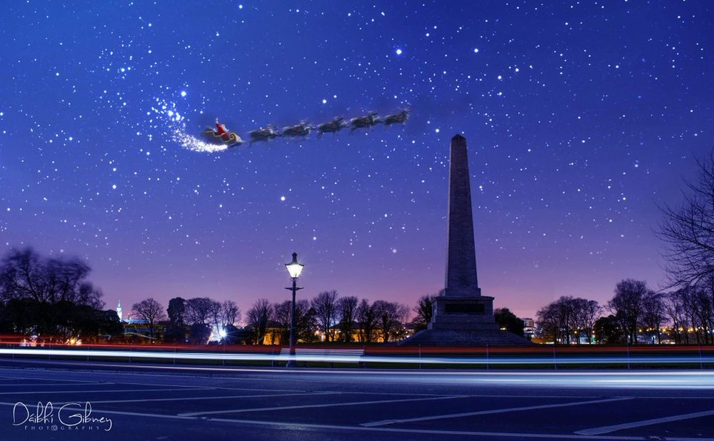 Santa passes Phoenix Park on his way to Castleknock.