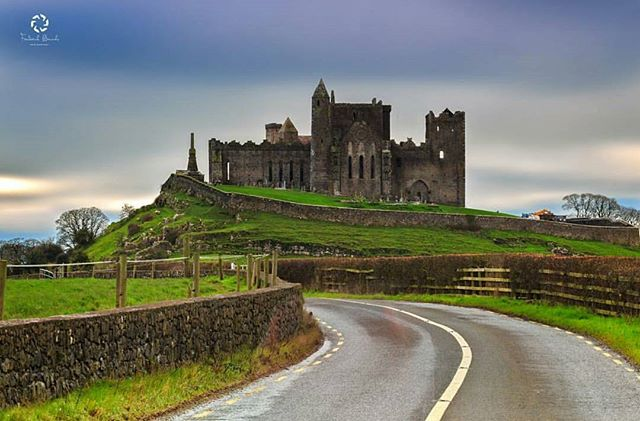 Featured Photo: Rock of Cashel, County Tipperary taken by @frederickbancale.  Make sure to check out his page.  Follow us to see more amazing images of Ireland 😀 -------------------------------------------------------------------------- Use our #pictureireland hashtag to share your best photos and to be in with a chance to be featured on our Instagram and website instagram community page: www.picture-ireland.com/instagram  #pictureireland #Irish #fineart #landscape #photography #landscapephotography  #ireland #inspireland_ #loveireland #tourismireland #igersireland #insta_ireland #instaireland #discoverireland #photos #photooftheday #picoftheday #loves_ireland #beautiful #cashel #rockofcashel #tipperary