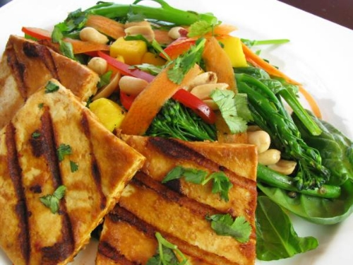 grilled spicy peanut tofu & mango spinach broccolini salad | RECIPE on hotforfoodblog.com