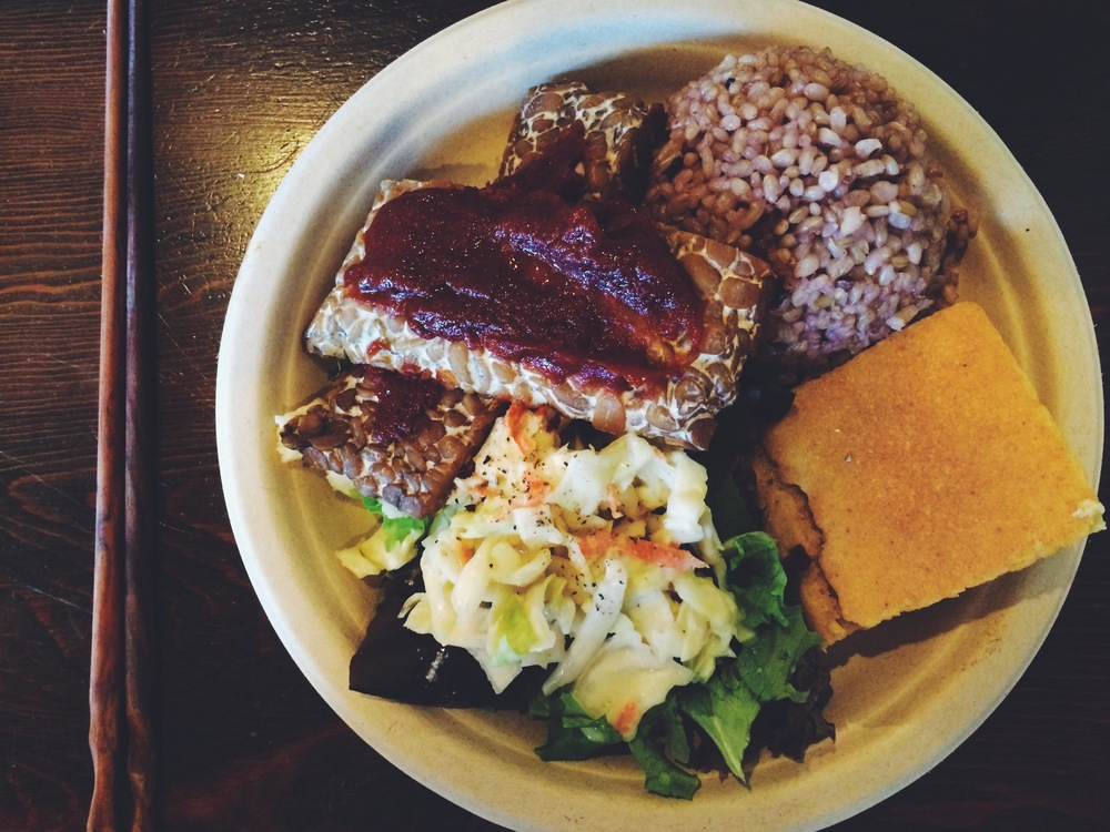 bbq tempeh plate