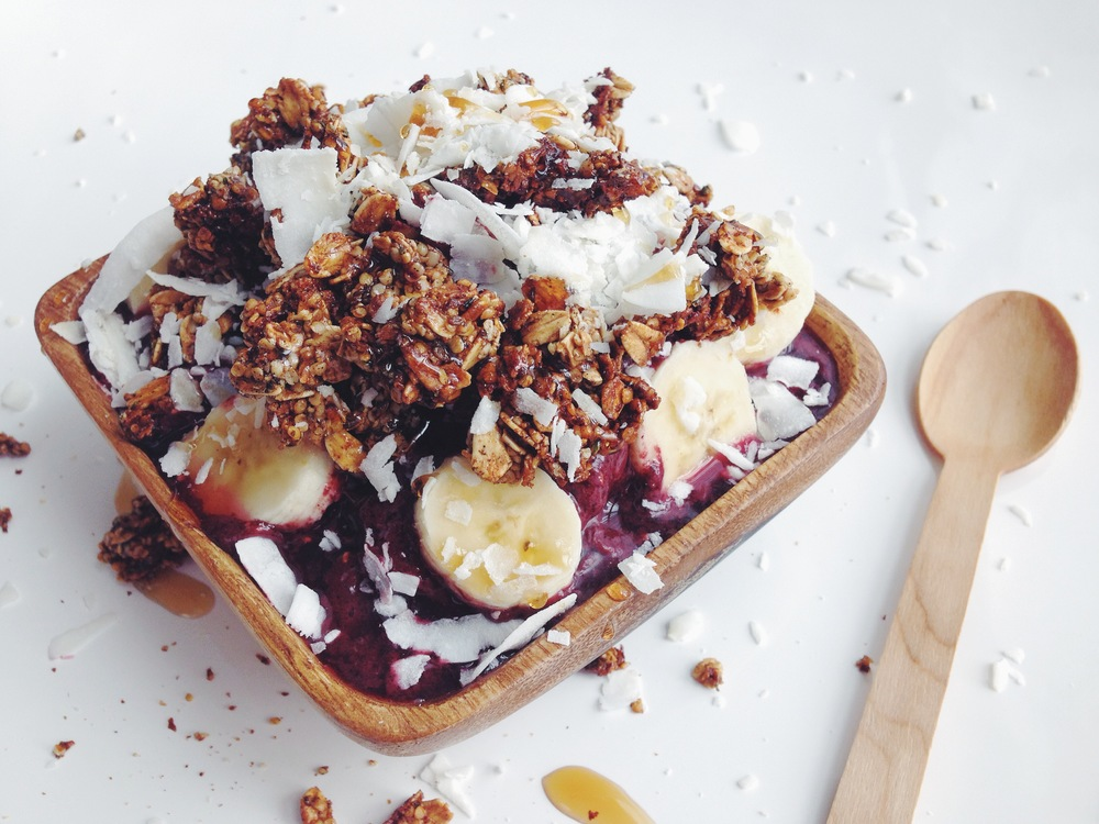 acai bowl | RECIPE on hotforfoodblog.com