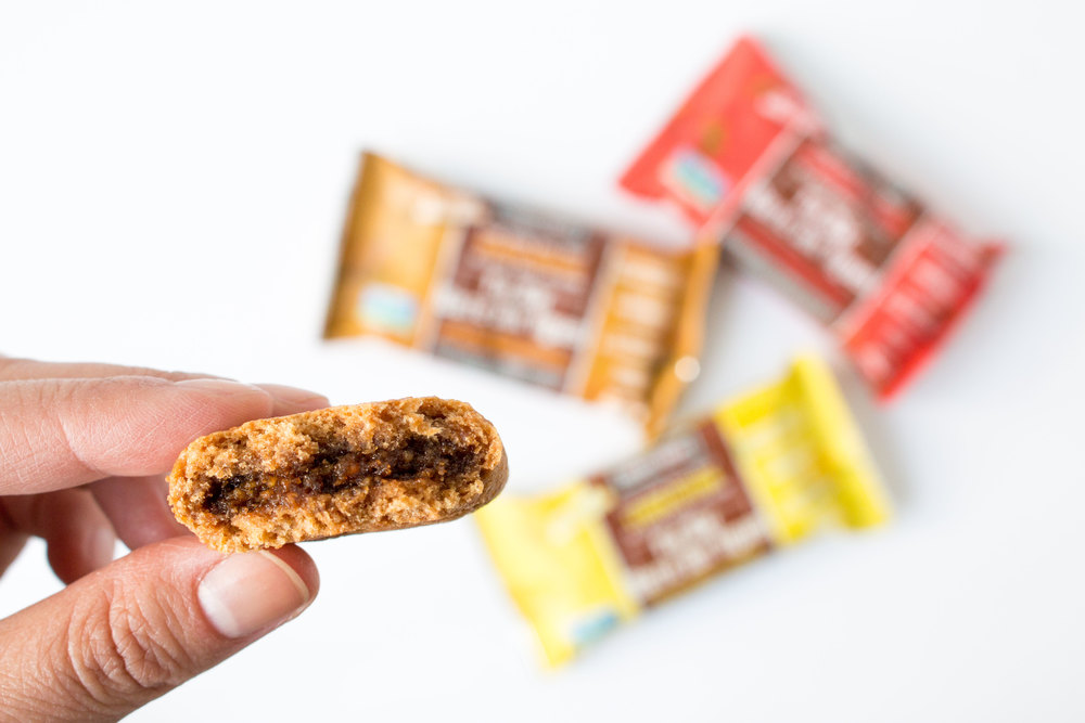 nature's bakery fig bar ** new flavours revealed at 2014 CHFA East | more #vegan #snack reviews at hotforfoodblog.com