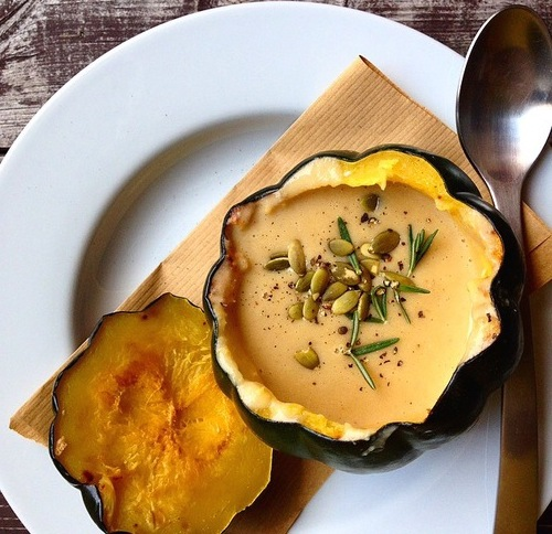 rae of sunshine's acorn squash soup is the perfect thanksgiving starter.