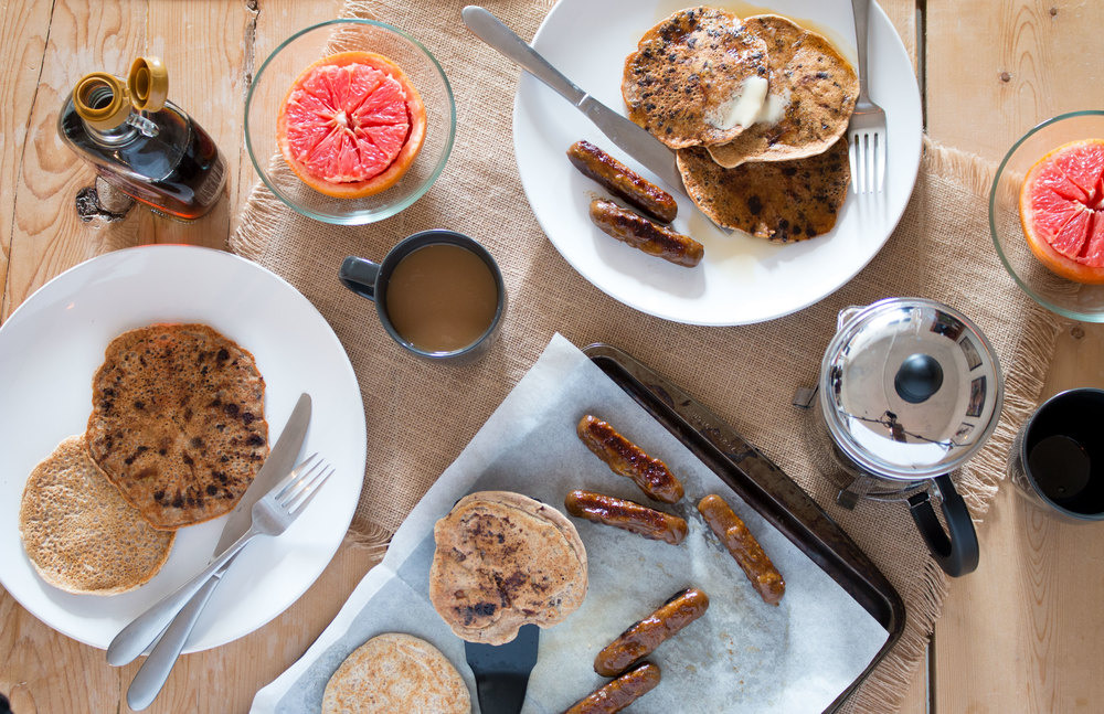easy breakfast! chocolate chip banana pancakes & vegan breakfast sausages | RECIPE on hotforfoodblog.com