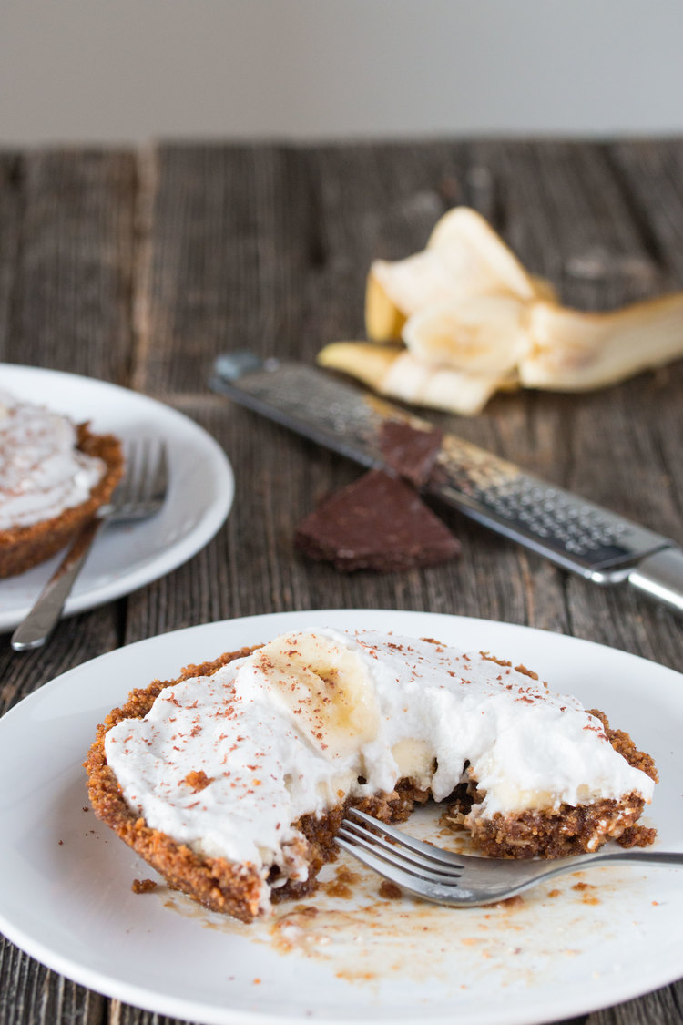 vegan banana coconut cream pie | RECIPE on hotforfoodblog.com