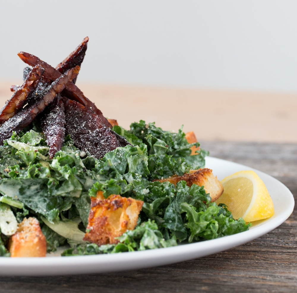 #vegan kale caesar salad with tempeh bacon | RECIPE on hotforfoodblog.com
