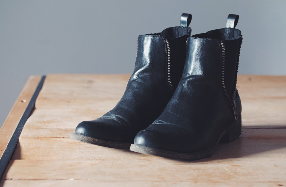 #vegan shoe care tips from sole survivor | on hotforfoodblog.com