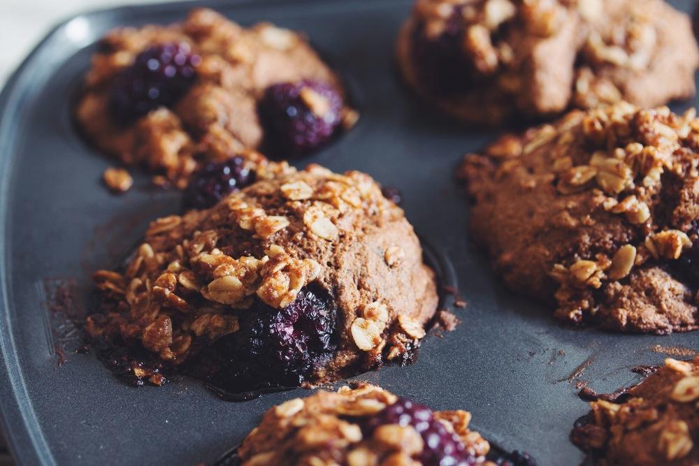 #vegan blackberry cobbler muffins | RECIPE on hotforfoodblog.com