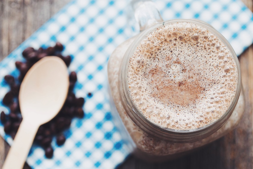 the vanilla latte smoothie #vegan #glutenfree | RECIPE on hotforfoodblog.com