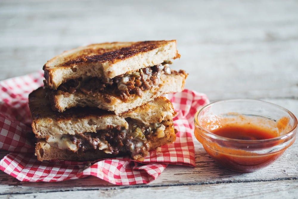 spicy #vegan grilled cheese & beef sandwich | RECIPE on hotforfoodblog.com
