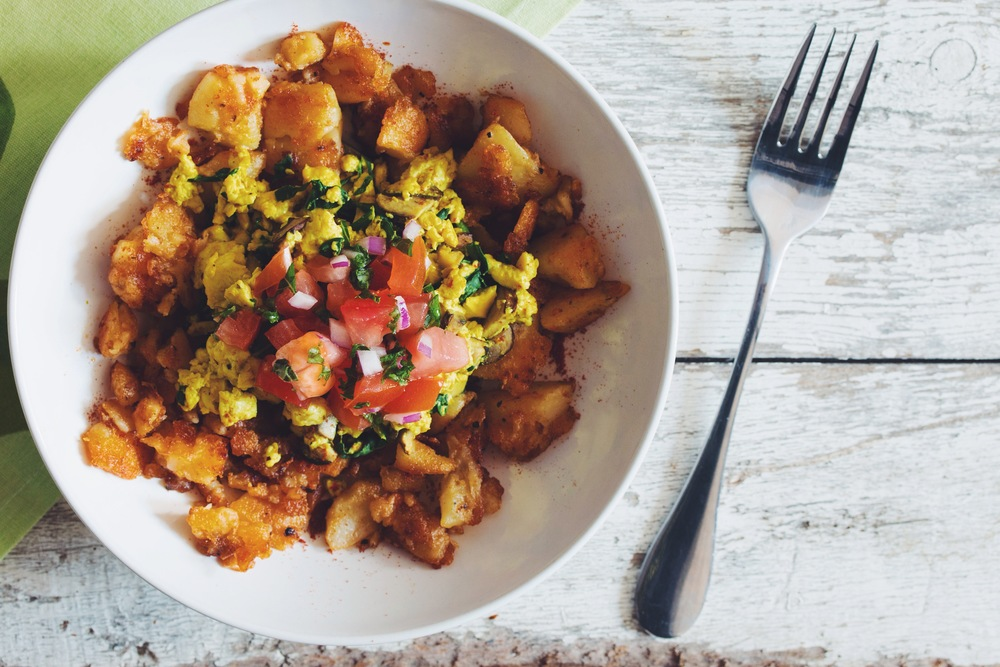 breakfast hash bowl #vegan | RECIPE on hotforfoodblog.com