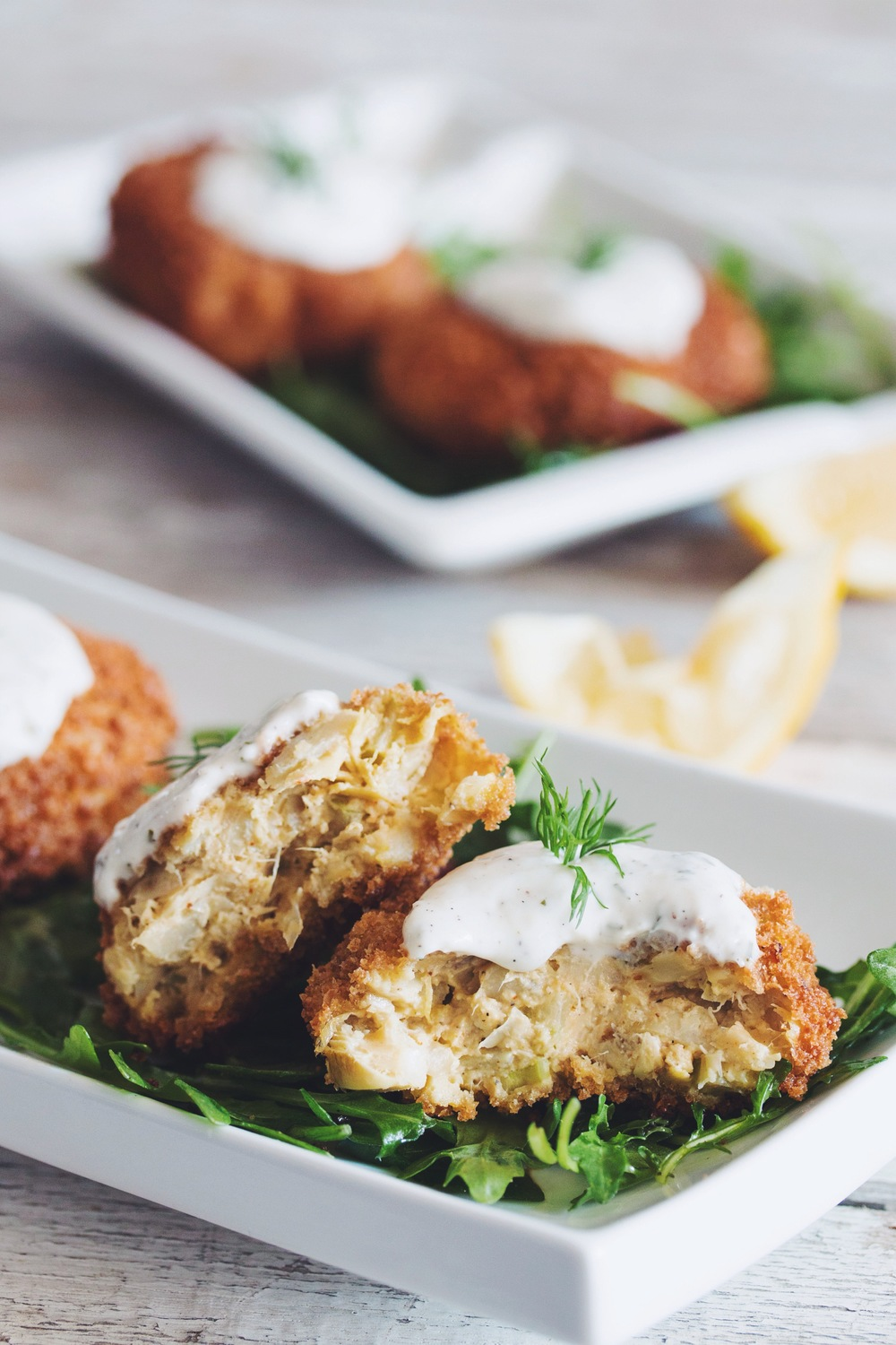 vegan crab cakes with horseradish dill tartar sauce_hot for food