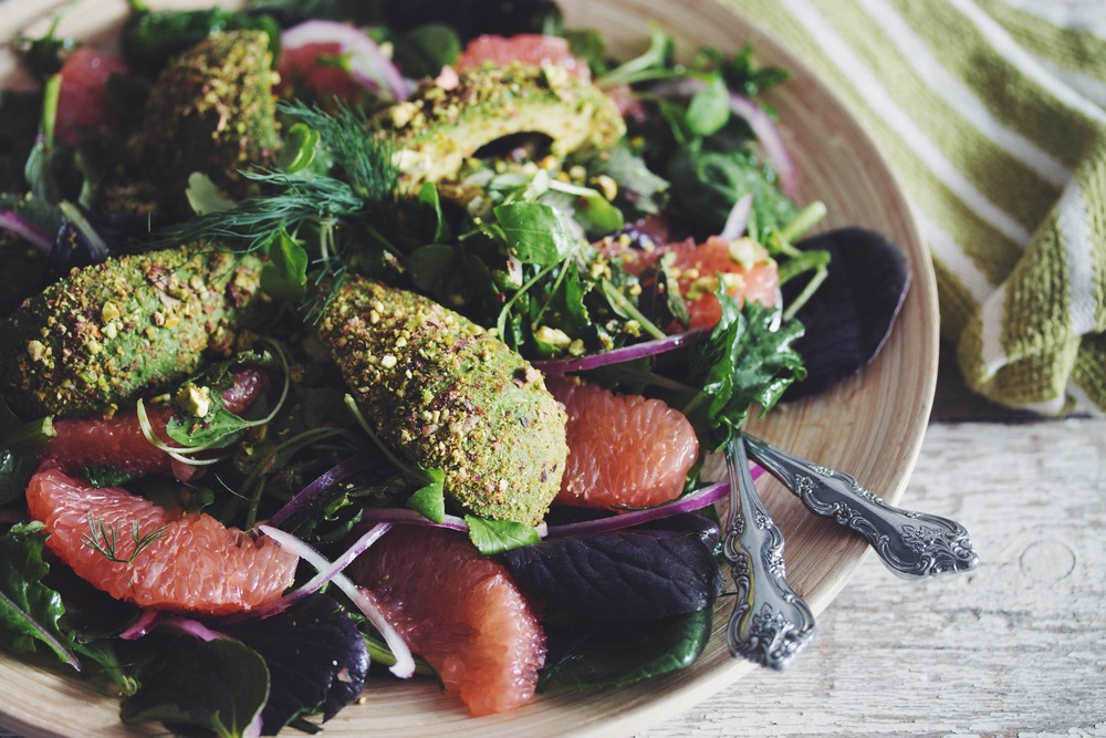 grapefruit & pistachio crusted avocado summer salad_hot for food
