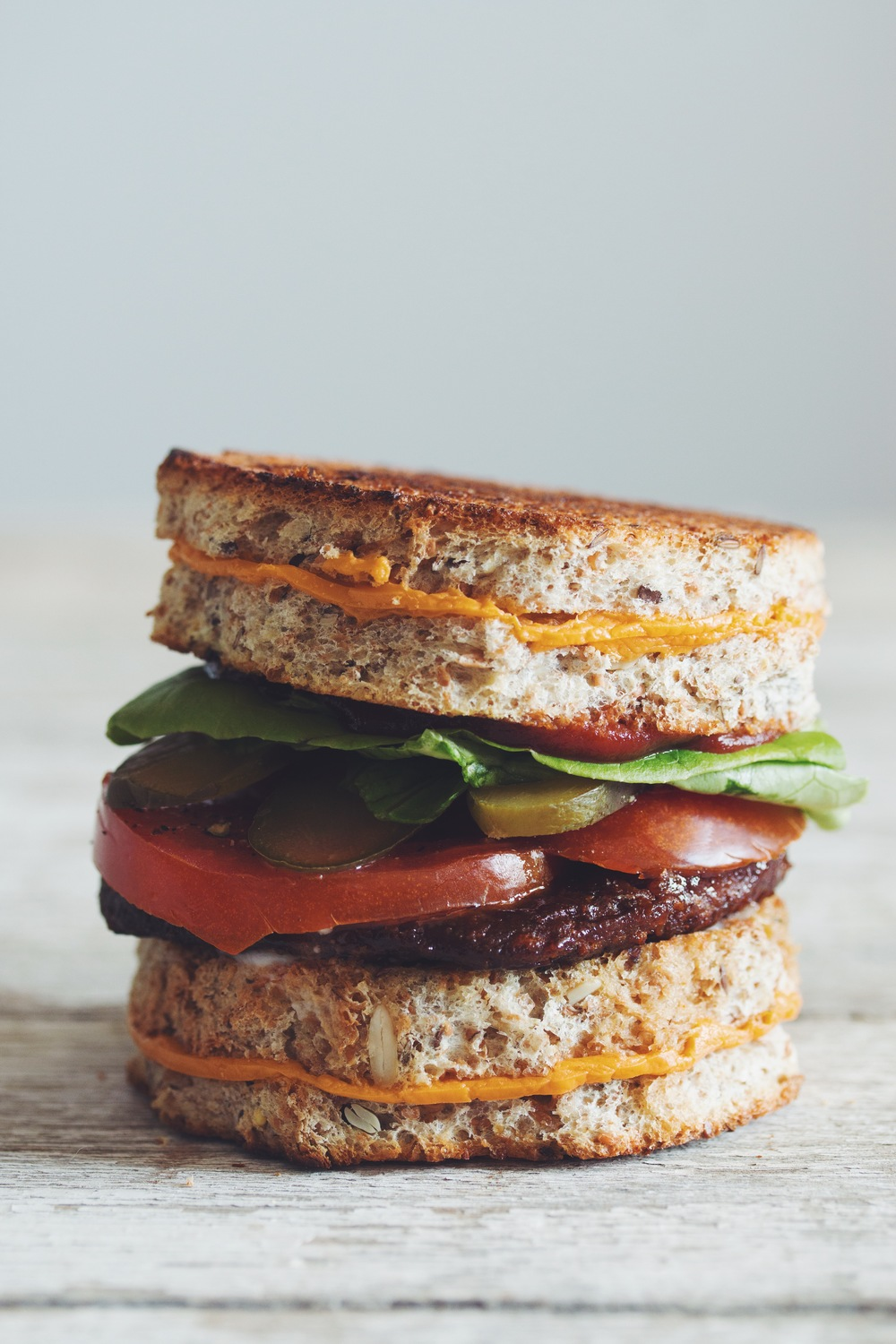 the grilled cheese burger #vegan | RECIPE on hotforfoodblog.com